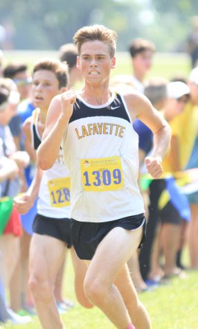 Members of both boys and girls cross country teams qualify for state