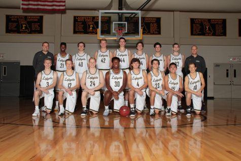 Different faces, same goal: boys basketball aims to repeat last year's success with new head coach