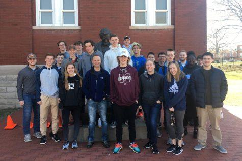 Civil War class visits cemetery, museum for field trip
