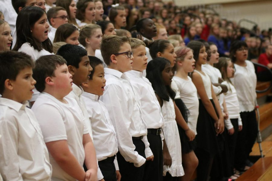 MIOS choir concert brings district together