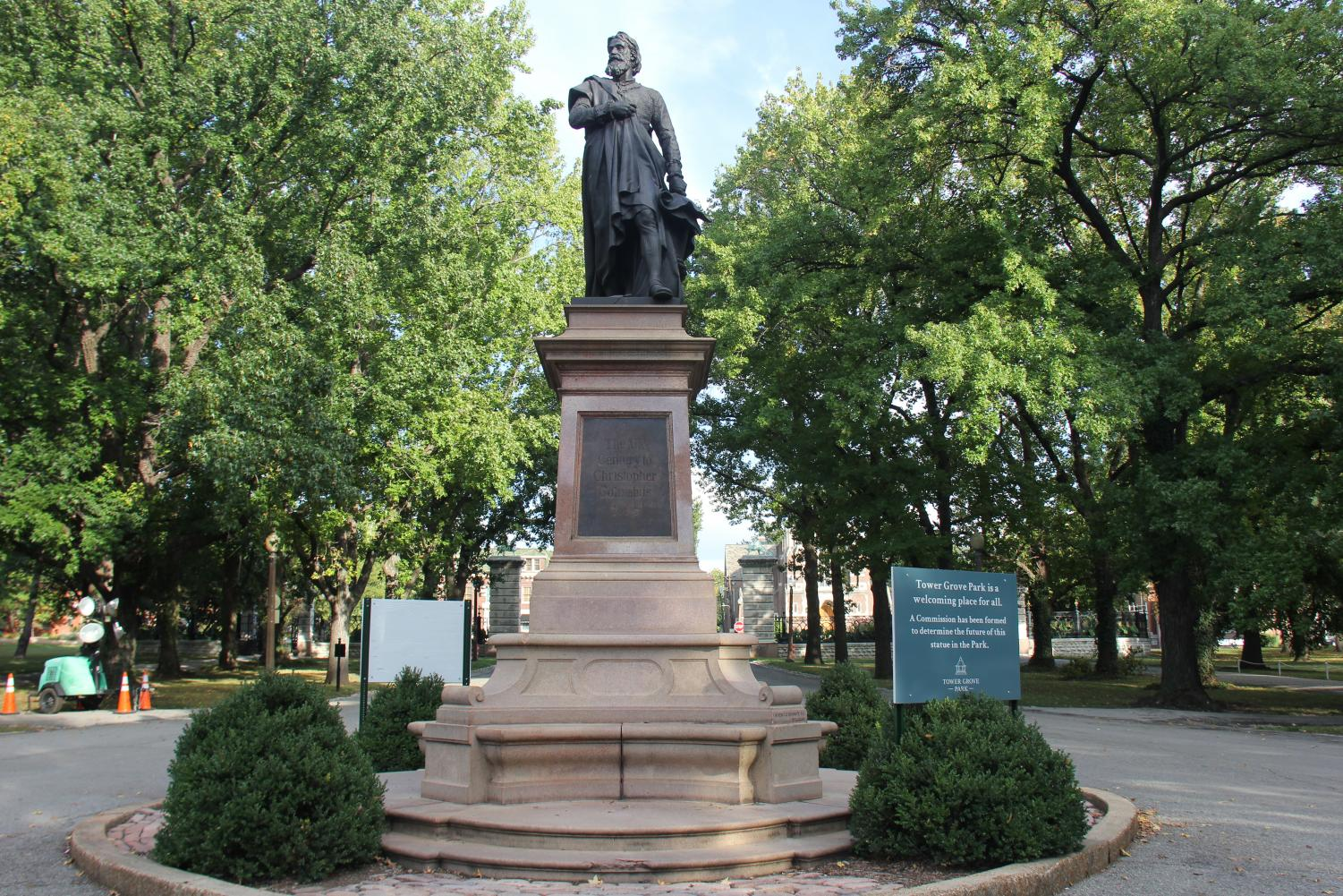 Located at the east entrance, Tower Grove Park dedicates a statue of Christopher Columbus in 1886.