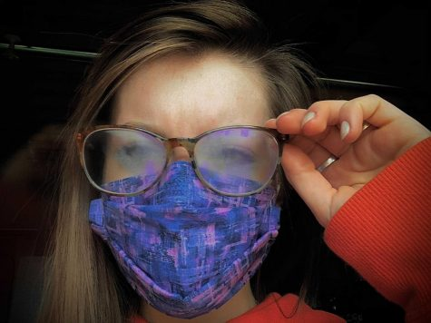 Many people are finding inconveniences with using their glasses: their face mask for the coronavirus keeps causing their glasses to fog up. This can make for dangerous vision impairment. Removing the glasses repeatedly to clean them can involve touching the face, which increases exposure risk for COVID-19.