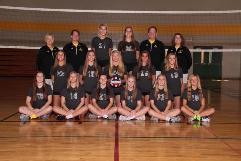 Girls varsity volleyball starts off season against St. Joe