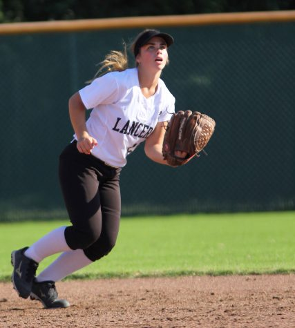 Softball nears end of season; struggling to find consistency