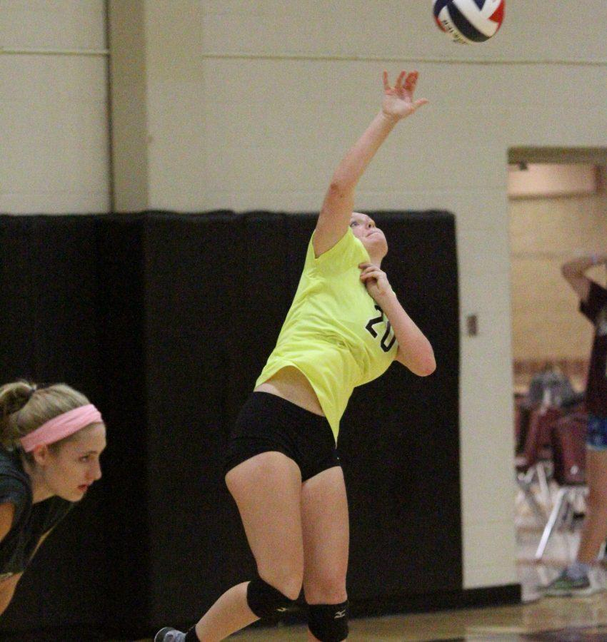 Kailey+Kantouth+serves+the+ball+in+a+game+against+Lindbergh.