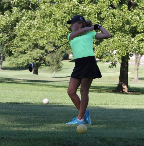 Girls golf places fifth at Sectionals; sends one to State