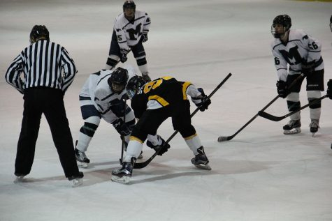 Hockey looks for win against Parkway South