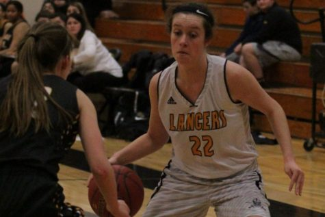 Lady Lancer basketball tops Eureka; secure first place in Suburban West Conference
