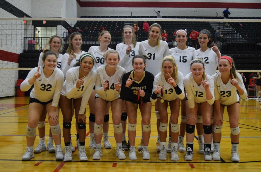 Girls volleyball undefeated in tournament over Homecoming weekend