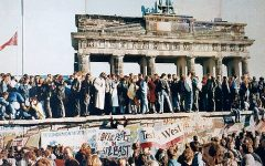 This Day In History: Nov. 9, the fall of the Berlin Wall