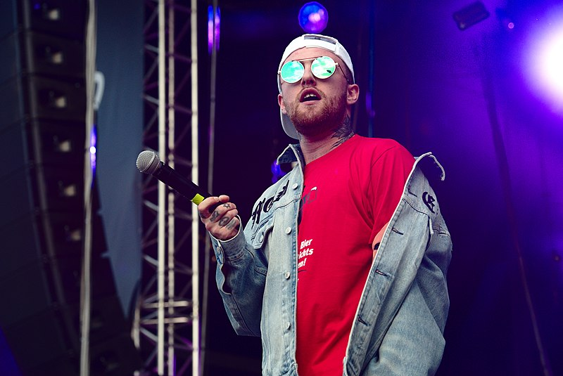 Mac Miller at the Splash! Festival in 2017. Miller died of a drug overdose in 2018. Photo by Nicolas Volcker, published under Creative Commons license.