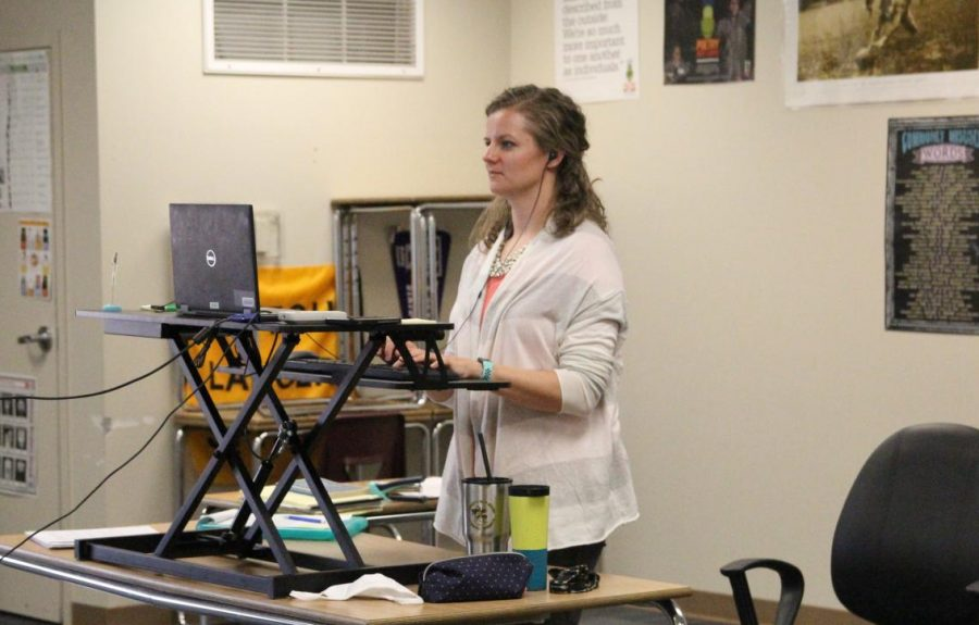 Language Arts teacher Jennifer Pautz teaches a lesson virtually to students over Zoom during the Quarter 1 of the 2020-2021 school year.